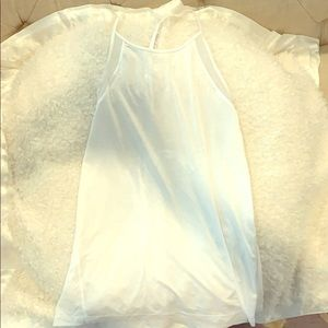 White lululemon y back tank great condition